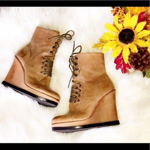 🆕VINCE CAMUTO Wedge Leather Combat Boots